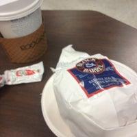 Снимок сделан в Lu's Cafe пользователем Kelsey 10/9/2012