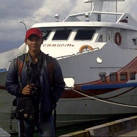 Photo taken at Pelabuhan Tulehu by Muhammad Syahrimal I. on 8/14/2013