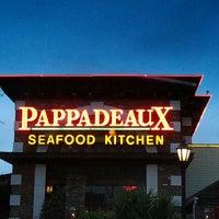 Das Foto wurde bei Pappadeaux Seafood Kitchen von Monica am 10/7/2012 aufgenommen