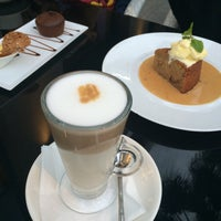 Photo taken at FERRE\CAFFÉ by Fatma on 1/18/2015