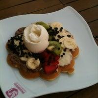 Foto diambil di Prinkipo Dondurma ve Waffle oleh Handan B. pada 5/4/2013