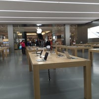 Photo taken at Apple Morumbi by Victor F. on 8/27/2015