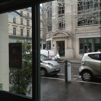 Photo taken at Timhotel Le Louvre by Elena K. on 9/6/2013