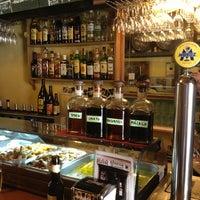 Foto tomada en Bar Bodega Quimet por Eduardo C. el 7/7/2013