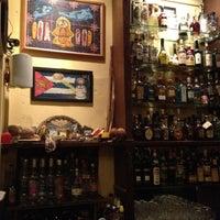 Foto tomada en Café Bar Habana por Café Bar Habana el 10/6/2012