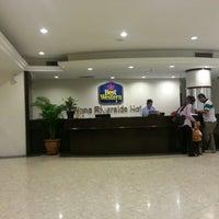 Photo taken at WANA Riverside Hotel Malacca by Ahmad Isnashahir Y. on 11/16/2012