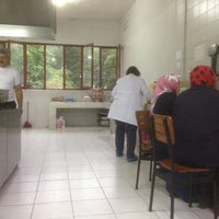 Photo taken at Aşiklar çay fabrikasi by Mehmet Çil. 🇹🇷🌹. B. on 6/2/2014