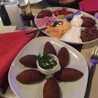 Das Foto wurde bei By Elvis Ocakbasi Restaurant von C. U. am 1/31/2017 aufgenommen