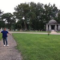 Photo taken at Oak Ridge Cemetery by José Antonio U. on 8/7/2017