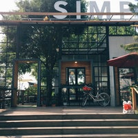 Photo taken at Simple Bistro And Serve by AMPP on 12/16/2017