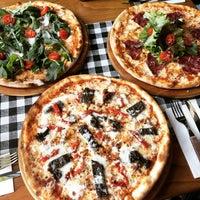 Photo prise au Double Zero Pizzeria par AnadoluGuru le9/9/2016