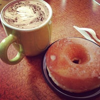 3/2/2014 tarihinde meganziyaretçi tarafından Jackalope Coffee & Tea'de çekilen fotoğraf