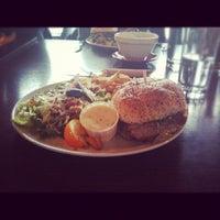 รูปภาพถ่ายที่ Chez Victor โดย Dilan C. เมื่อ 10/15/2012
