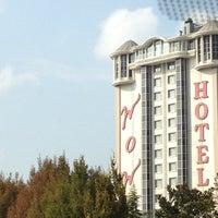 10/4/2012 tarihinde Cem C.ziyaretçi tarafından WOW Istanbul Hotels & Convention Center'de çekilen fotoğraf
