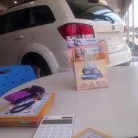 Foto tirada no(a) Betral Veículos por Suzy F. em 9/25/2012