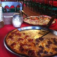 Foto tomada en Koony's Pizza, Ocoyoacac por Carmen V. el 3/31/2013