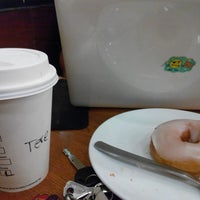 Photo prise au Starbucks par Tresya M. le9/1/2014