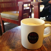 Photo taken at TULLY'S COFFEE 本厚木 by Hideaki M. on 1/1/2013