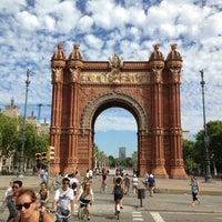 Foto scattata a Arco del Triunfo da Vladimir S. il 7/28/2013
