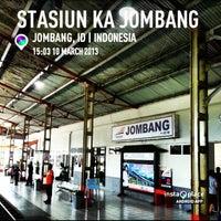 Photo taken at Stasiun Jombang by Fakih Arif W. on 3/10/2013
