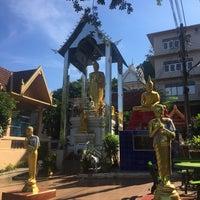 Photo taken at Wat Khao Phutthakhodom by Bon U. on 11/22/2017