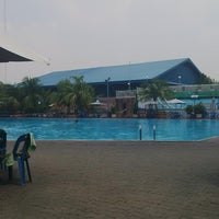 Photo taken at Swimming Pool Cemara Asri by Sherly H. on 6/28/2014