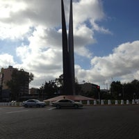 Photo taken at Glorieta Del Monumento a la Independencia (Las Tijeras) by Alberto E. on 10/9/2012