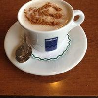Photo taken at Abant Göl Cafe & Restaurant by Ayşe H. on 3/2/2013