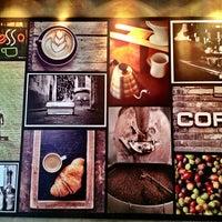 8/4/2013 tarihinde Farah S.ziyaretçi tarafından Mambocino Coffee'de çekilen fotoğraf