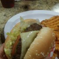 Photo taken at Famous Hamburger by Fahad R. on 11/22/2015