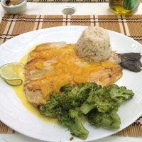 Foto tirada no(a) Restaurante Arco Iris por Rafael L. em 12/1/2012