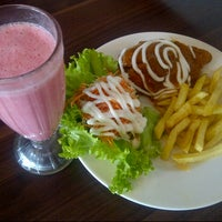 Photo taken at Solaria by Roselina T. on 10/7/2013
