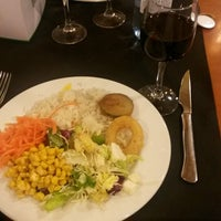 Foto tomada en Restaurante LAS PALOMAS Buffet&Tapas por Di S. el 4/18/2014