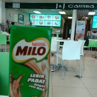 Photo taken at J & J Cafeteria by Budoxe L. on 1/3/2013