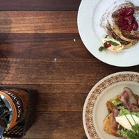 Photo taken at Lonsdale St. Roasters by Misch on 10/23/2014