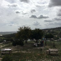 Photo taken at Öz Güven Kendin Pişir by Şişko P. on 3/25/2018