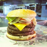 Снимок сделан в Burger King пользователем ProФитнес 💪🏻 S. 6/4/2013