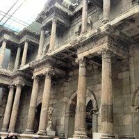 3/16/2013 tarihinde Enrique C.ziyaretçi tarafından Bergama Müzesi'de çekilen fotoğraf