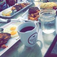 รูปภาพถ่ายที่ Breakfast Republic โดย Feras เมื่อ 10/17/2017