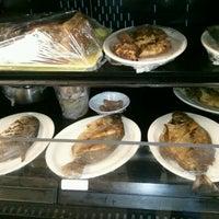 Photo taken at Nipa Hut Oriental & Seafood by Melody L. on 9/19/2012