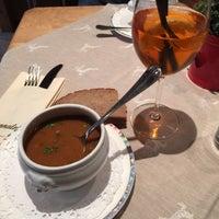 Das Foto wurde bei Restaurant Hotel Sonne von Vladimir T. am 12/22/2014 aufgenommen