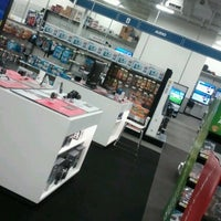 Photo taken at Best Buy by Fanchon F. on 12/10/2012