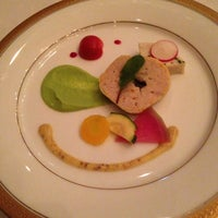 Photo taken at RESTAURANT LE TRIANON (トリアノン) by Mag C. on 5/19/2014