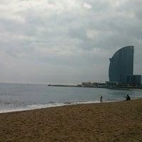 Foto tirada no(a) Praia da Barceloneta por Ese G. em 4/1/2013