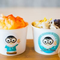 Photo taken at SnoCream Shaved Snow And Desserts by SnoCream Shaved Snow And Desserts on 10/27/2016
