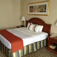 Foto diambil di The Watson Hotel oleh Maxim K. pada 2/24/2013
