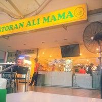 Photo taken at Restoran Ali Mama by Rasli on 3/18/2013