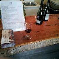 Photo taken at Kyneton Ridge Estate Winery And B&B by Toad H. on 10/7/2012