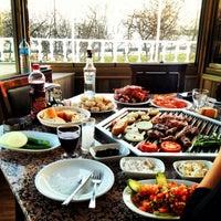 Foto tirada no(a) Evita Mangalbaşı & Cafe & Bar por Ömer H. em 1/11/2014