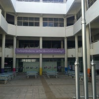 Photo taken at โรงเรียนสาธิตนวัตกรรม มหาวิทยาลัยเทคโนโลยีราชมงคลธัญบุรี by Manuy K. on 6/14/2012